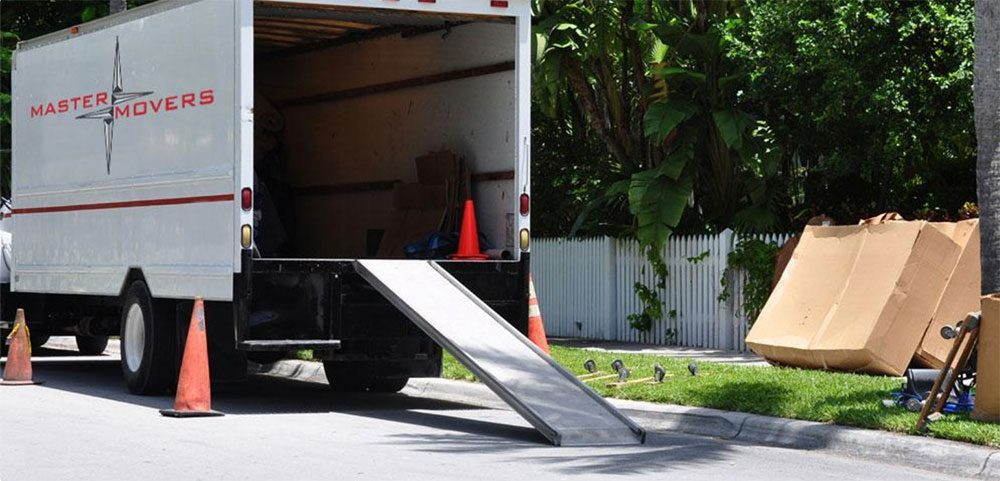 Moving Timeline: When Should You Book a Moving Company